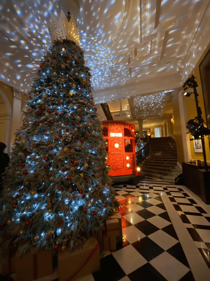 Claridges Christmas Tree and train carriage