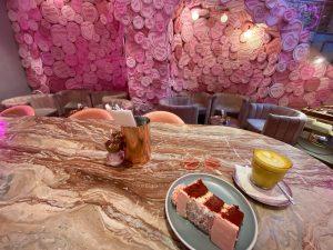 London's pinkest cafe - EL&N cafe