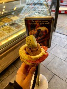 Urban Adventurer - Flower shaped ice cream London - Amorino