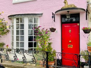 Pretty in pink house Notting Hill