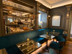 Where to drink cocktail in London - The Churchill Bar