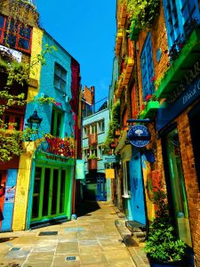 Outdoor Dining - Neal's Yard