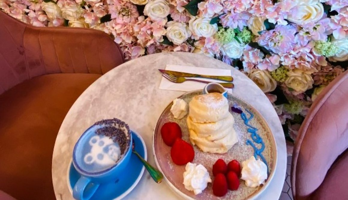 Fluffy Pancake, Intricate Latte Art, and Famous Guests – Coffee Addict